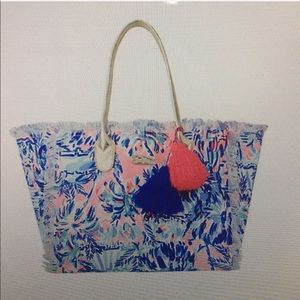 Lilly Pulitzer GYPTET FRAYED BEACH TOTE